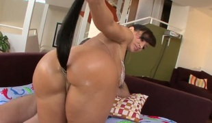Lisa Ann gets rammed in the bottom in the air agonorgasmos